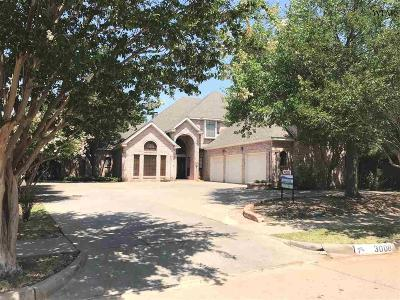 Single Family Home For Sale: 3008 Whitehall Lane
