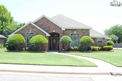 Wichita Falls Single Family Home For Sale: 1622 Tanglewood Drive