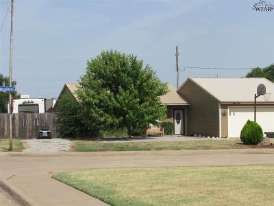 Wichita Falls Single Family Home For Sale: 1 Johnathan Place