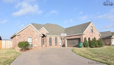 Burkburnett Single Family Home For Sale: 1106 Heritage Road
