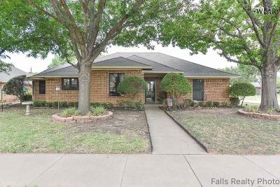 Wichita Falls Single Family Home Active W/Option Contract: 9 Red Bluff Street