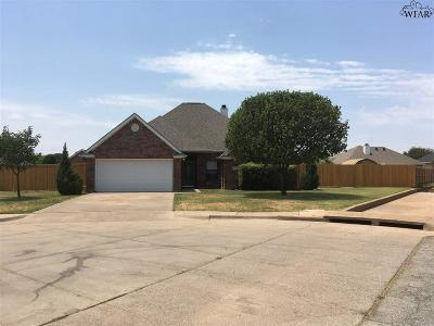 Iowa Park Single Family Home Active W/Option Contract: 11 Andrea Court