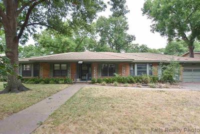 Wichita Falls Single Family Home For Sale: 2406 Clayton Lane