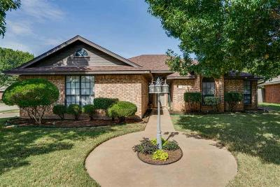 Wichita Falls Single Family Home For Sale: 13 Periwinkle Drive