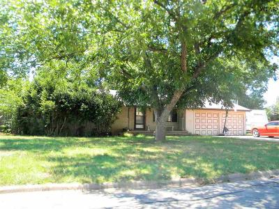 Burkburnett Single Family Home For Sale: 216 Laurel Lane