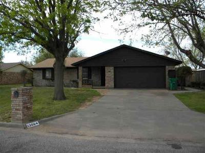 Burkburnett Single Family Home For Sale: 1306 Amherst Street