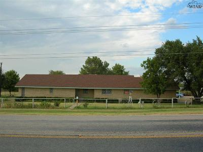 Single Family Home For Sale: 443 E Hwy 114