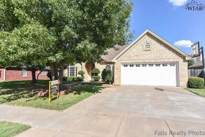 Wichita Falls Single Family Home For Sale: 4117 Candlewood Circle