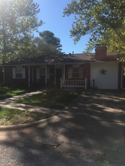 Burkburnett Single Family Home For Sale: 600 Oak Street