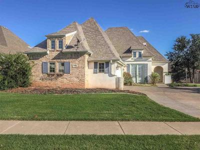 Wichita Falls Single Family Home Active W/Option Contract: 1737 Woodridge Drive