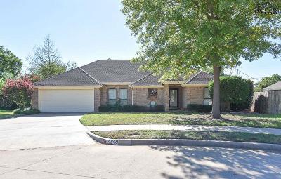 Wichita Falls Single Family Home Active W/Option Contract: 4849 Shenandoah Drive