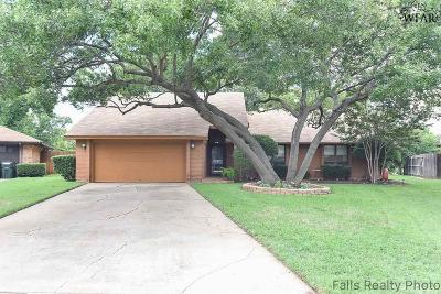 Wichita Falls Single Family Home Active W/Option Contract: 6 Brenna Drive