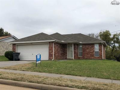Wichita Falls Single Family Home For Sale: 1910 Deer Parkway