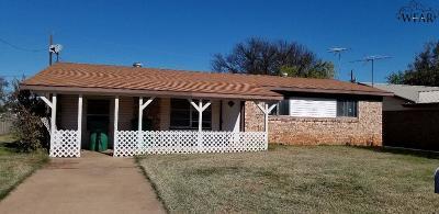 Iowa Park Single Family Home For Sale: 116 Hope Lane