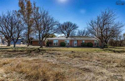 Iowa Park Single Family Home Active W/Option Contract: 1605 Fm 367