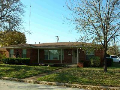 Wichita Falls Single Family Home Active W/Option Contract: 408 E Rogers Drive