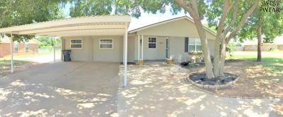 Wichita Falls Single Family Home Active W/Option Contract: 5301 Dewey Street