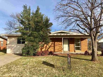 Wichita Falls Single Family Home Active W/Option Contract: 4607 Stanford Avenue