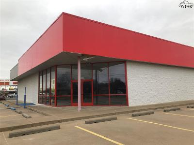 Commercial Active W/Option Contract: 4905 Southwest Parkway