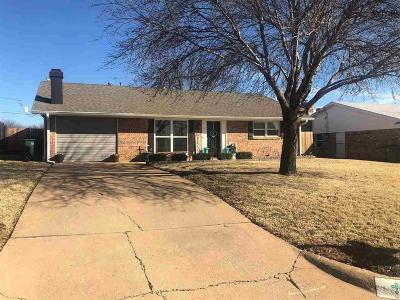 Iowa Park Single Family Home Active W/Option Contract: 1607 Karen Lane