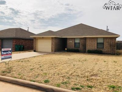 Iowa Park Single Family Home Active W/Option Contract: 1220 Newman Avenue