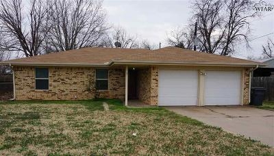 Archer County, Baylor County, Clay County, Jack County, Throckmorton County, Wichita County, Wise County Single Family Home For Sale: 1 Smoke Rise Circle