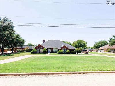 Baylor County Single Family Home For Sale: 905 N Grossman Street