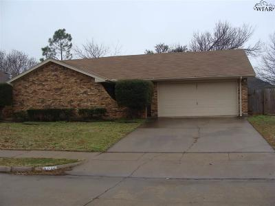 Single Family Home Active-Contingency: 4876 Matterhorn Drive