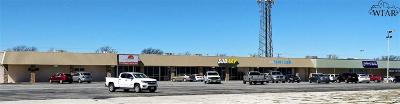 Commercial For Sale: 208 S Red River Expressway