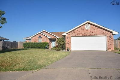 Wichita Falls Single Family Home Active W/Option Contract: 6 Blue Star Court