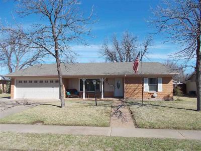 Wichita Falls Single Family Home For Sale: 4108 Berwick Drive