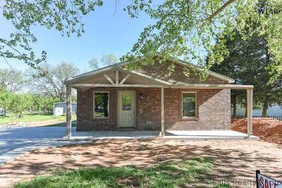 Burkburnett TX Single Family Home For Sale: $155,900