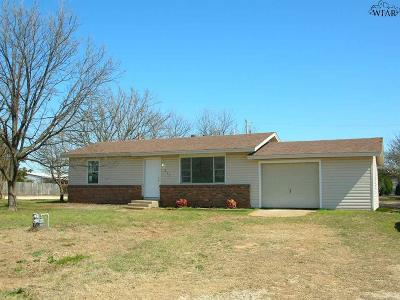 Clay County Single Family Home For Sale: 301 S Belmont Street