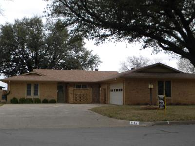 Burkburnett Single Family Home For Sale: 911 Kiowa Drive