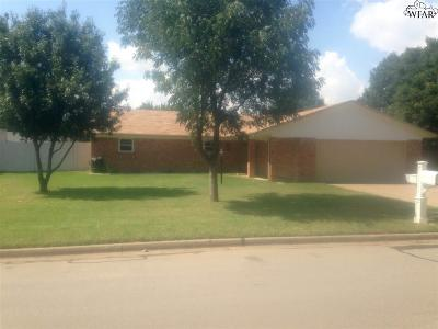 Burkburnett Single Family Home For Sale: 926 Tejas Drive