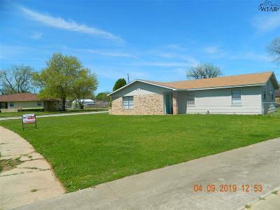 Wichita Falls Single Family Home Active W/Option Contract: 4114 Abbott Avenue