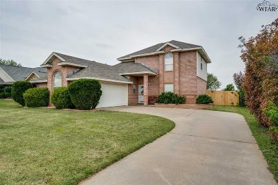 Wichita Falls Single Family Home Active W/Option Contract: 5418 Castle Drive