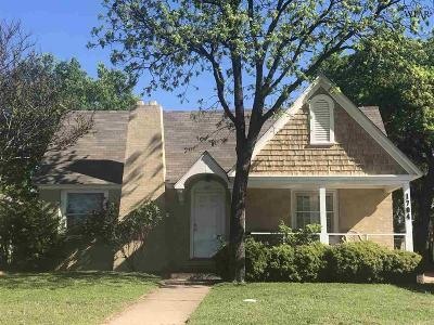 Single Family Home For Sale: 1704 McGregor Avenue