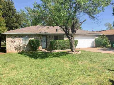 Burkburnett Single Family Home For Sale: 905 Kathryn Street