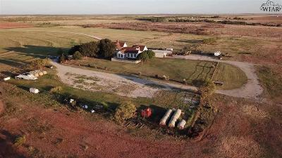 Archer County Single Family Home For Sale: 5909 Hwy 281