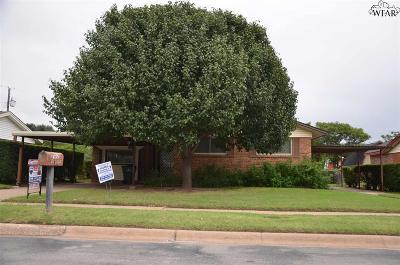 Burkburnett Single Family Home For Sale: 414 Vaughn Street