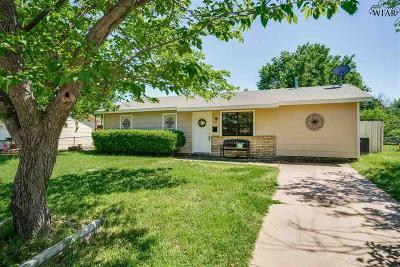 Wichita Falls Single Family Home For Sale: 111 Devonshire Drive