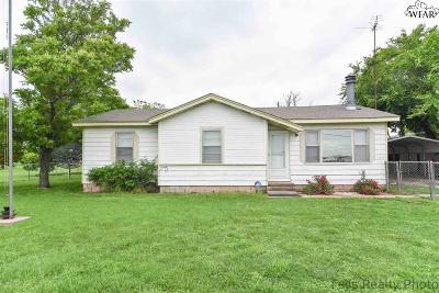 Iowa Park Single Family Home Active W/Option Contract: 1850 Texowa Road