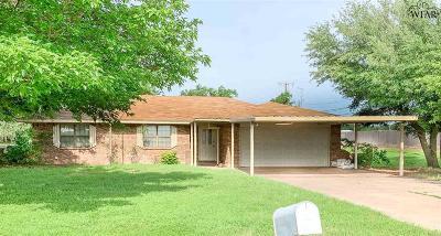 Iowa Park Single Family Home Active W/Option Contract: 1110 Texowa Road