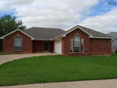 Wichita Falls Single Family Home Active W/Option Contract: 5042 Bayberry Drive