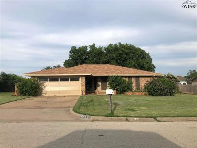 Archer County, Baylor County, Clay County, Jack County, Throckmorton County, Wichita County, Wise County Single Family Home For Sale: 42 Surrey Circle