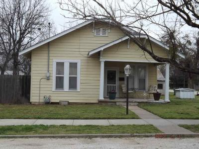 Henrietta Single Family Home Active W/Option Contract: 516 E Gilbert Street