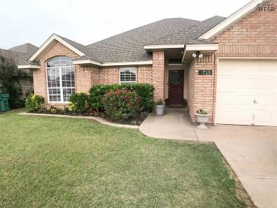 Iowa Park Single Family Home For Sale: 713 W Aldine Court