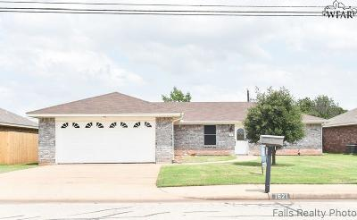 Wichita Falls Single Family Home Active W/Option Contract: 1621 City View Drive
