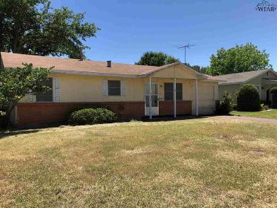 Wichita Falls Single Family Home For Sale: 107 Devonshire Drive